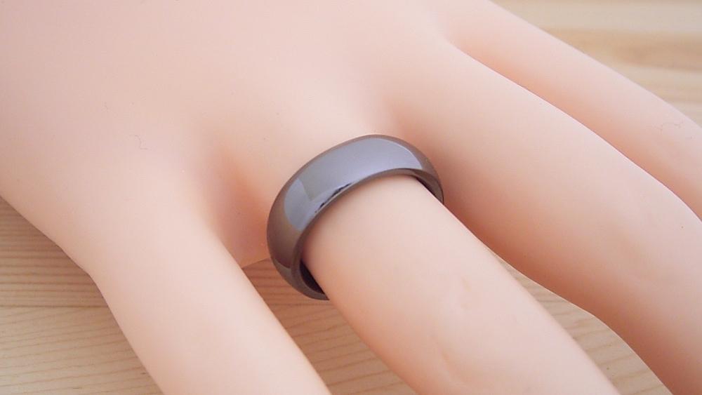 ジェットブラックモデルの指輪