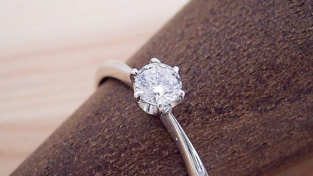 1万円で婚約指輪!