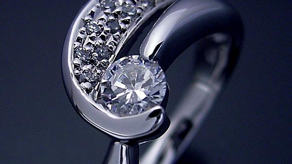 婚約指輪のブランドで安い所は?