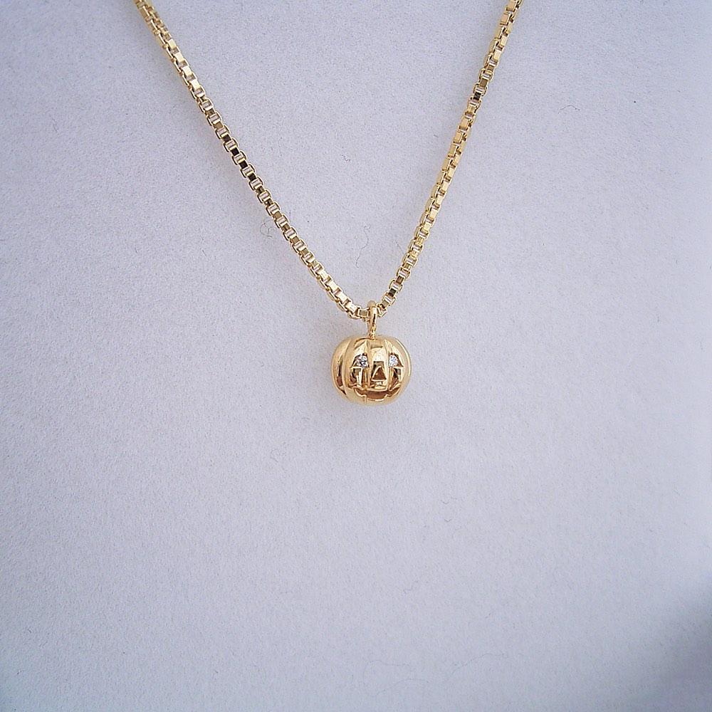 金のカボチャネックレスの販売を開始しました(^^)