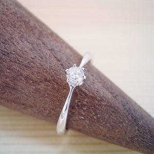 5万円の婚約指輪が売れ筋とは。
